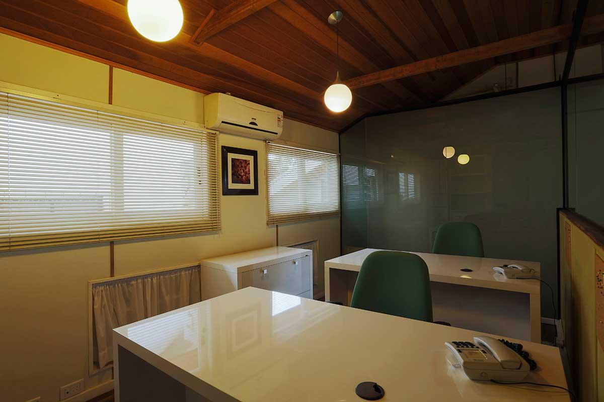 Sala Slim | Office Inn