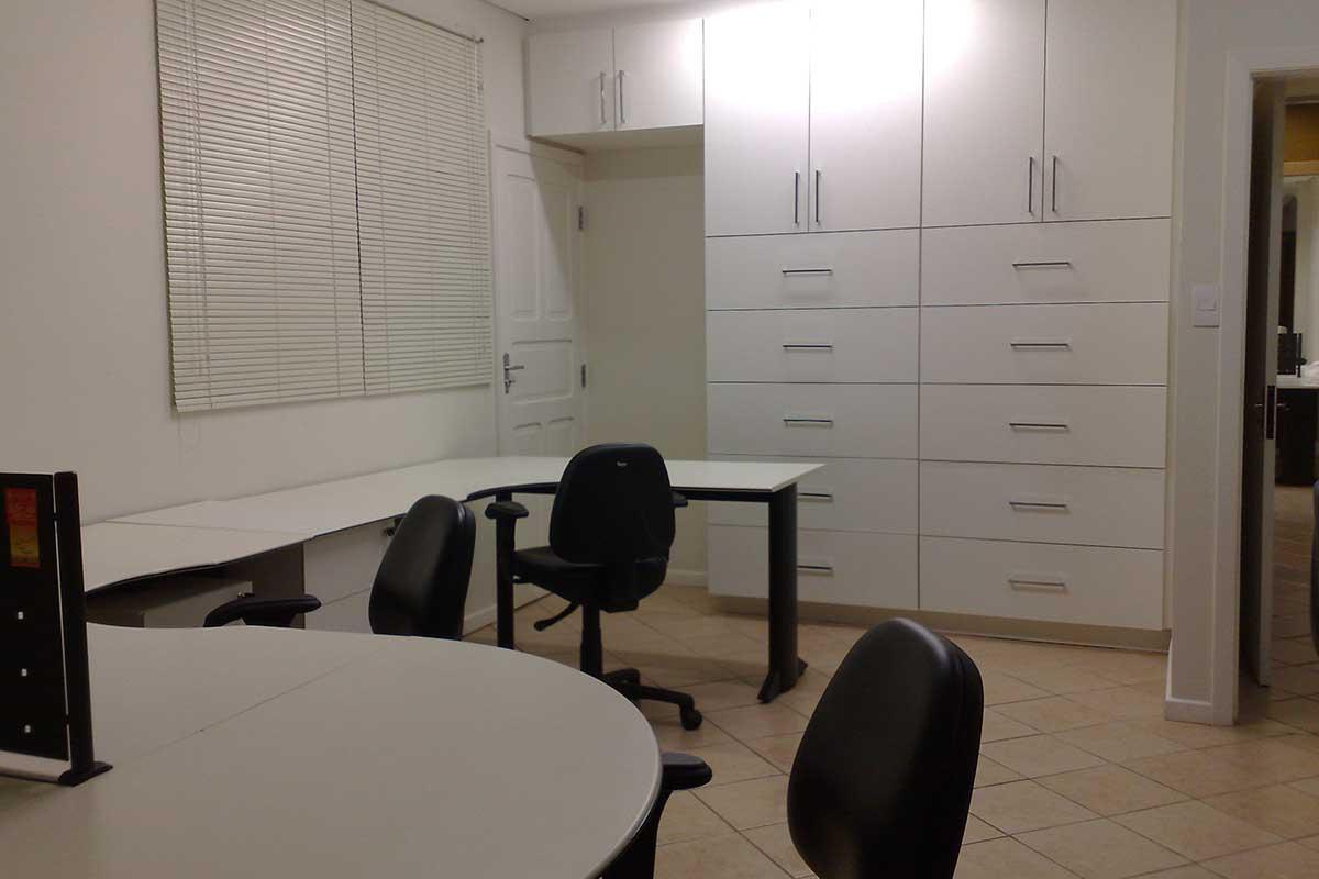 STB05 | Office Inn